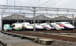 1280pxjr_east_shinkansen_lineup_at_