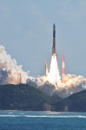 800pxhiia_f25_launching_himawari8